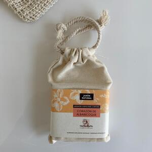 Jabón natural exfoliante Corazón de albaricoque - Santulana