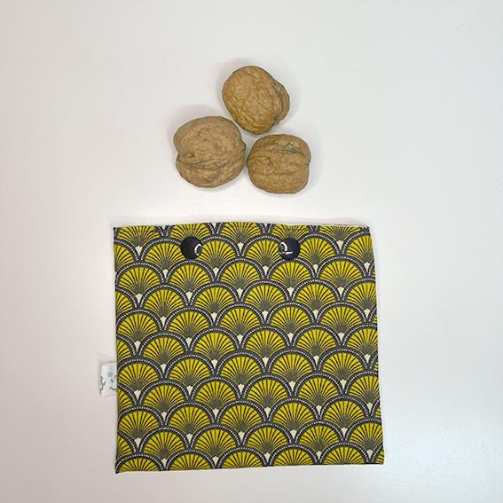 Nueces en bolsa snack estampado pavo real dorado - The Zappy Penguin