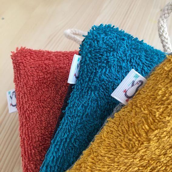 Detalle rizo de esponja multiusos lavable