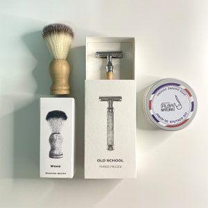 brocha, cuchilla feitado y jabón de afeitado