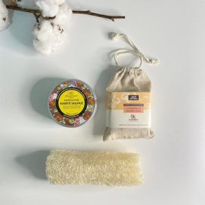 Esponja de luffa, jabon exfoliante y manteca de karité